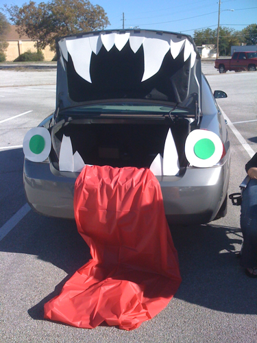 trunk-or-treat-decorations